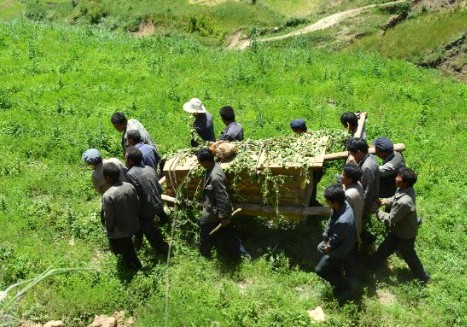CHINA_-_Burial_and_coffin